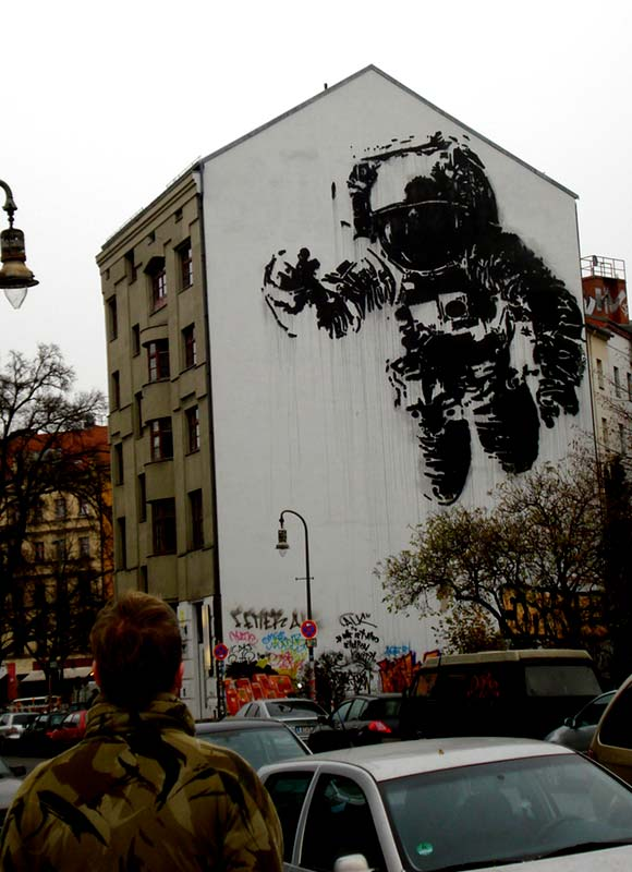 berlin street culture mecca irish street art. Black Bedroom Furniture Sets. Home Design Ideas